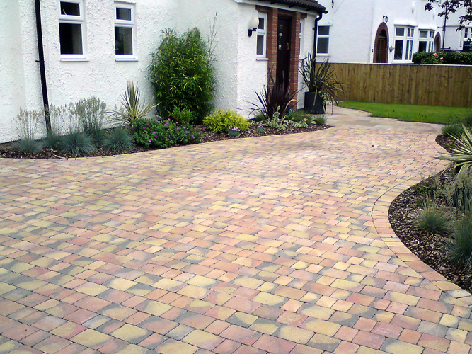 Landscape gardeners in cheltenham aw fencing and landscapes block paving workwithnaturefo